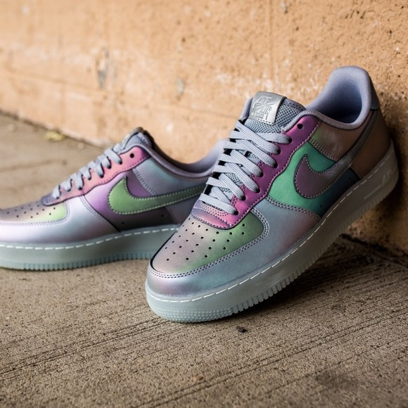 2018 Nike Air Force 1 '07 LV8 Iridescent For Sale